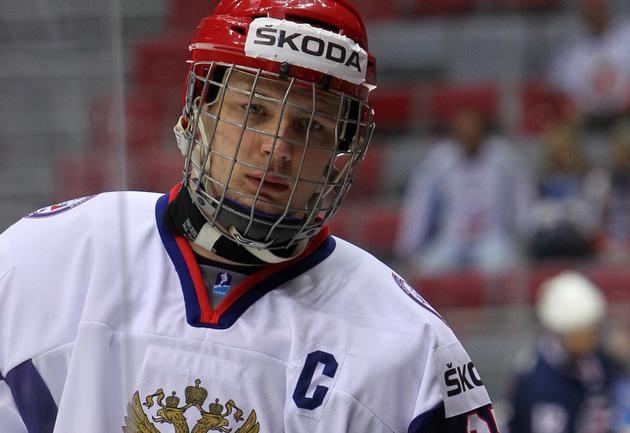 Капитан юниорской сборной России Валерий НИЧУШКИН. Фото Игоря ЗОЛОТАРЕВА Фото «СЭ»