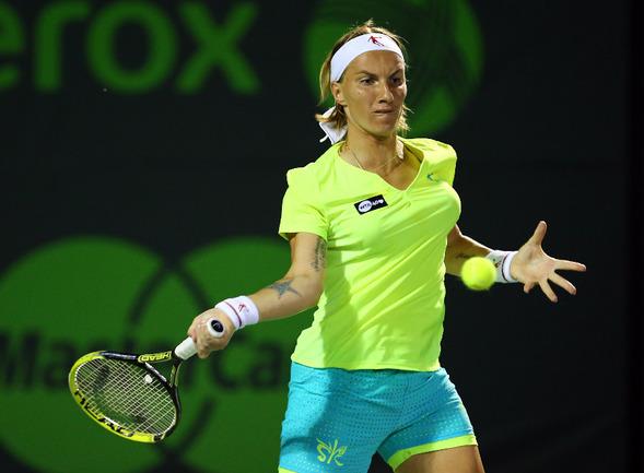 Светлана КУЗНЕЦОВА - в четвертьфинале турнира в португальском Оэйраше. Фото AFP Фото AFP