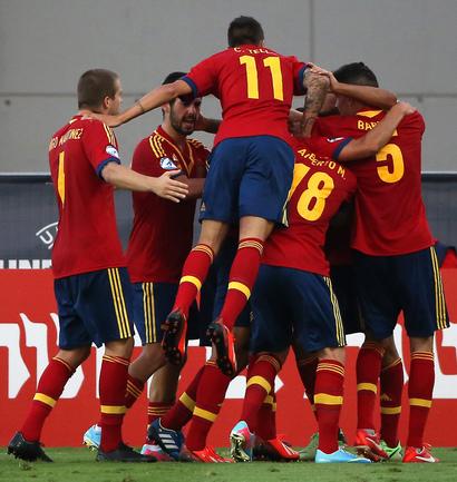 Футболисты молодежной сборной Испании намерены отстоять титулы чемпионов Европы. Фото AFP Фото AFP