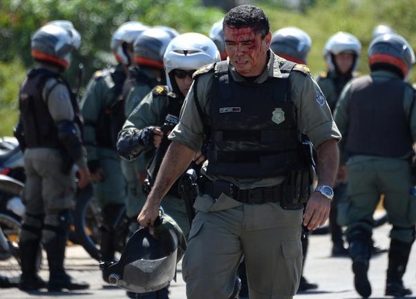 Столкновения полиции и протестующих в Бразилии набирают обороты Фото «СЭ»