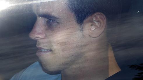 """Сегодня. Лондон. Гарет БЭЙЛ прибыл на тренировку """"Тоттенхэма"""". Фото AFP Фото AFP"""