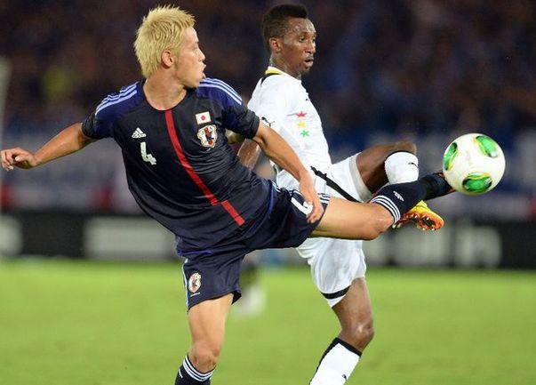 Хонда обыграл Уориса в товарищеском матче Фото «СЭ»