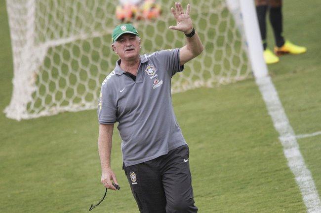 Главный тренер сборной Бразилии Луиз Фелипе СКОЛАРИ. Фото REUTERS Фото Reuters