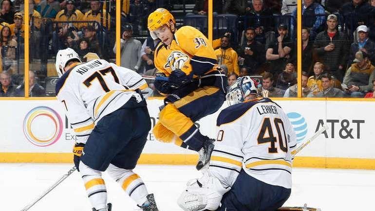 """Вторник. Нэшвилл. """"Нэшвилл"""" - """"Бафалло"""" - 4:5. Дмитрий КУЛИКОВ (№77). Фото NHL.com"""