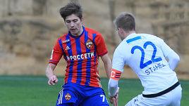19-летний нападающий ЦСКА Тимур ЖАМАЛЕТДИНОВ (слева).