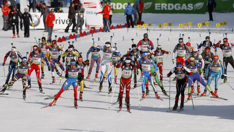 Более 200 биатлонистов Кубка мира, а также тренеров направили петицию в IBU, чтобы принять и обеспечить новые, более суровые меры наказания. Фото Reuters