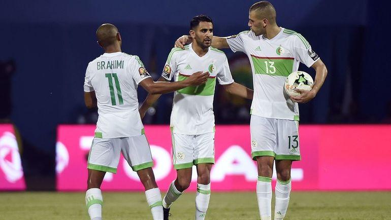 Лидеры сборной Алжира Ясин БРАИМИ, Рияд МАХРЕЗ и Ислам СЛИМАНИ. Фото AFP
