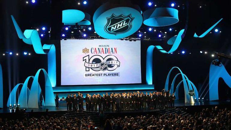 Пятница. Лос-Аджелес. Церемония чествования 100 лучших игроков в истории НХЛ. Фото REUTERS
