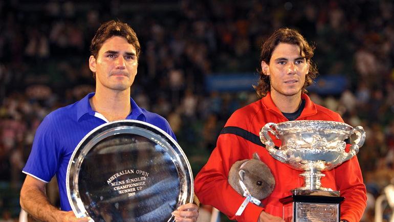 2 февраля 2009 года. Рафаэль НАДАЛЬ (справа) в пяти сетах обыграл Роджера ФЕДЕРЕРА в финале Australian Open. Фото AFP