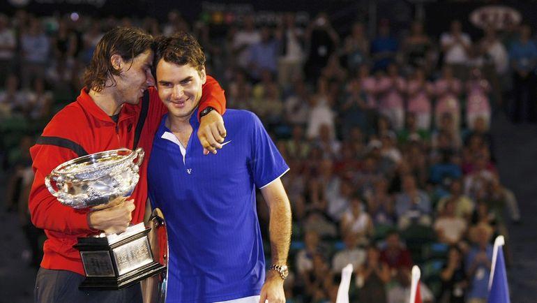 2 февраля 2009 года. Рафаэль НАДАЛЬ (слева) и Роджер ФЕДЕРЕР после финала Australian Open. Фото Reuters