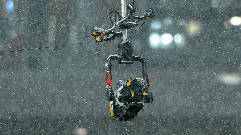 """Камера-паук делает спортивные трансляции ярче. Но много ли зрителей это видят? Фото Александр ФЕДОРОВ, """"СЭ"""""""