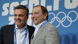 Президент ИИХФ Рене ФАЗЕЛЬ (слева) и комиссар НХЛ Гэри Беттмэн.