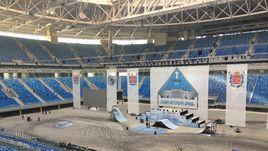 """Сегодня. Санкт-Петербург. Арена готовится к тестовому мероприятию """"Первый посетитель""""."""