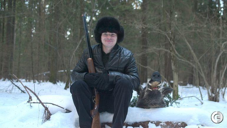 Декабрь 2003 года. Дмитрий ЛОСЬКОВ со своим охотничьим трофеем.