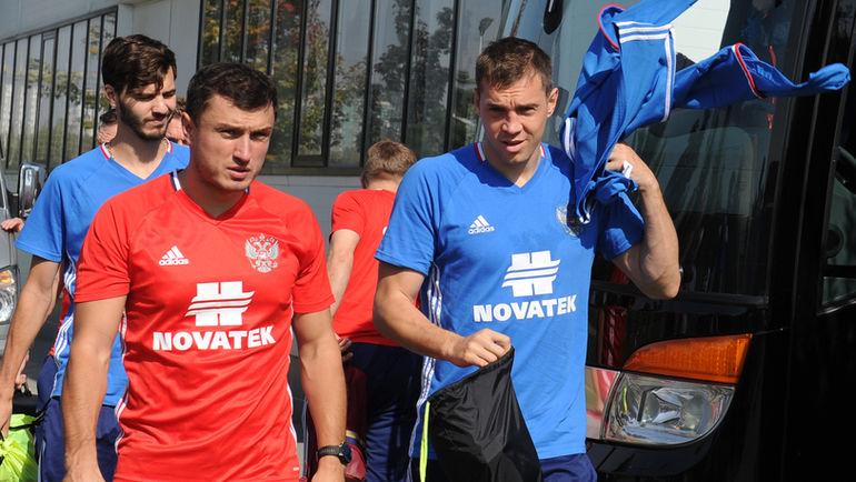 Врач сборной России Эдуард БЕЗУГЛОВ (слева). Фото Александр ФЕДОРОВ, «СЭ»