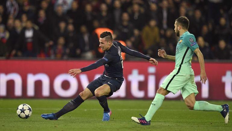 """Вторник. Париж. """"ПСЖ"""" - """"Барселона"""" - 4:0. 40-я минута. Юлиан ДРАКСЛЕР (слева) забивает гол. Фото Reuters"""