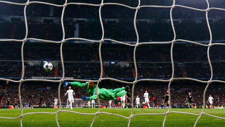 8-я минута. Лоренцо ИНСИНЬЕ открывает счет в матче. Фото Reuters