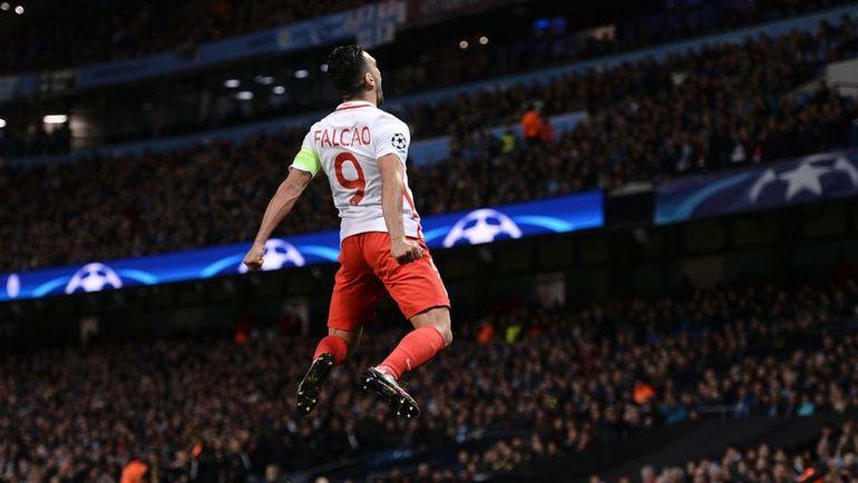 """Вторник. Манчестер. """"Манчестер Сити"""" - """"Монако"""" - 5:3. Радамель ФАЛЬКАО празднует гол. Фото AFP"""