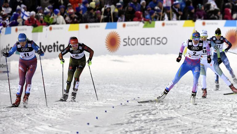Сегодня. Лахти. Наталья МАТВЕЕВА (слева) - на дистанции. Фото Reuters