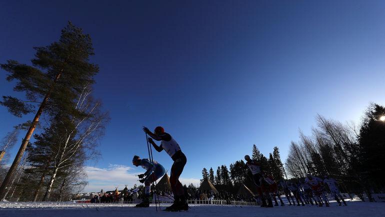 Сергей УСТЮГОВ и Мартин СУНДБЮ во время гонки. Фото Reuters