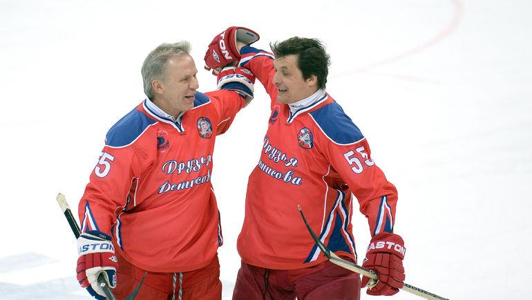 Вячеслав ФЕТИСОВ и Валерий КАМЕНСКИЙ. Фото photo.khl.ru