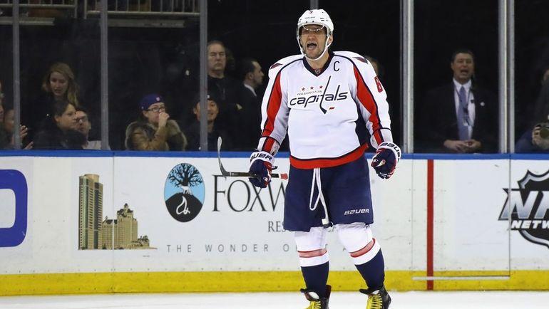 """Сегодня. Нэшвилл. """"Нэшвилл"""" - """"Вашингтон"""" - 5:2. Александр ОВЕЧКИН провел 900-й матч в НХЛ, но уже третью игру подряд не может попасть по воротам соперника. Фото AFP"""