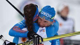 Воскресенье. Лахти. Наталья МАТВЕЕВА (справа) и Юлия БЕЛОРУКОВА празднуют серебро в командном спринте.