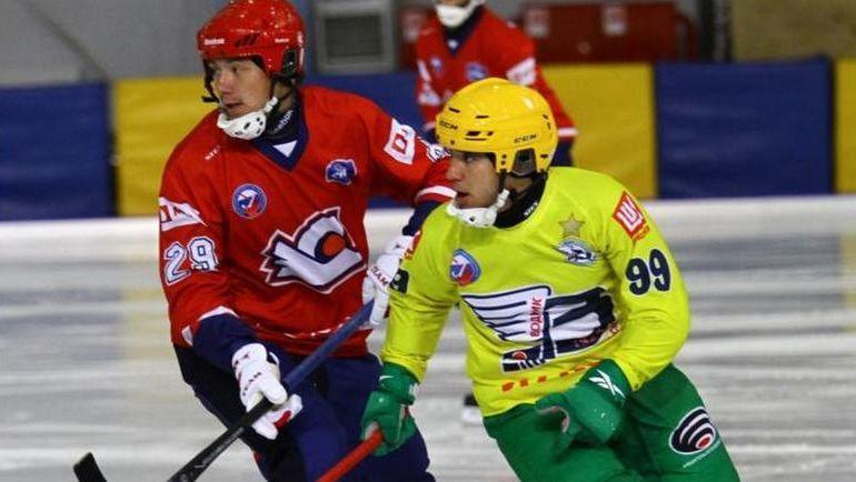Олег ПИВОВАРОВ (справа).