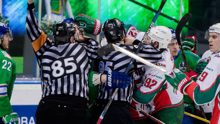 """В матче было много борьбы. Фото ХК """"Салават Юлаев"""""""