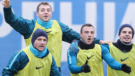 "Вчера. Санкт-Петербург. Тренировка ""Зенита"". Доменико КРИШИТО, Артем ДЗЮБА, Йоан МОЛЛО и Артур ЮСУПОВ (слева направо)."