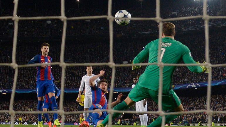 """90+5-я минута. СЕРХИ РОБЕРТО забивает решающий гол. Сможет ли еще кто-то превзойти результат """"Барселоны""""? Фото AFP"""