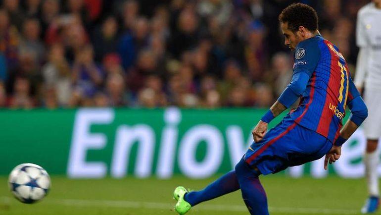 НЕЙМАР реализует пенальти на 90+1-й минуте. Фото AFP