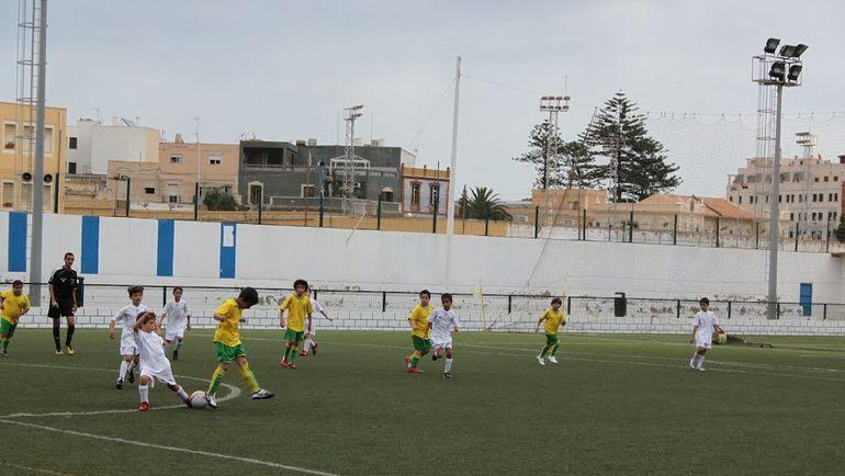 Один из стадионов в Мелилье. Фото Panoramio