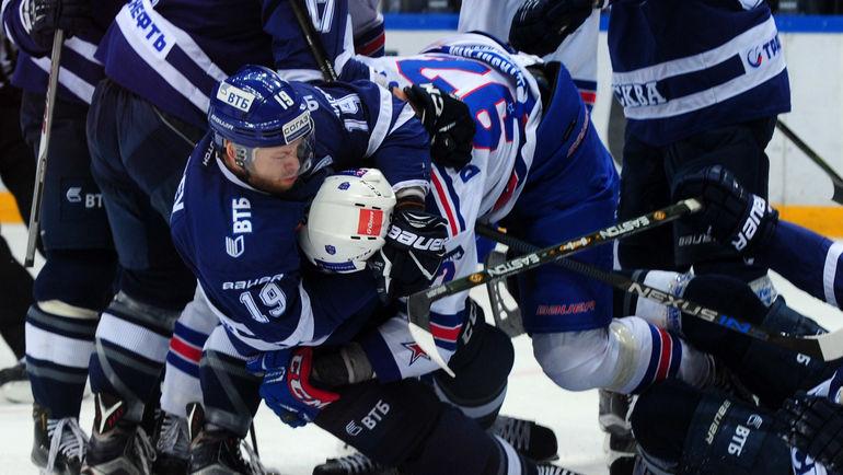 """Страсти кипели и на льду, и на трибунах. Фото Никита УСПЕНСКИЙ, """"СЭ"""""""
