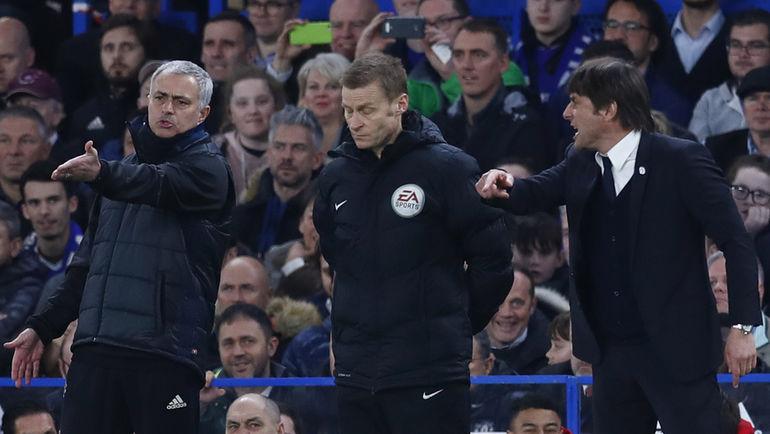 """Вчера. Лондон. """"Челси"""" - """"Манчестер Юнайтед"""" - 1:0. Жозе МОУРИНЬЮ (слева) и Антонио КОНТЕ (справа). Фото Reuters"""
