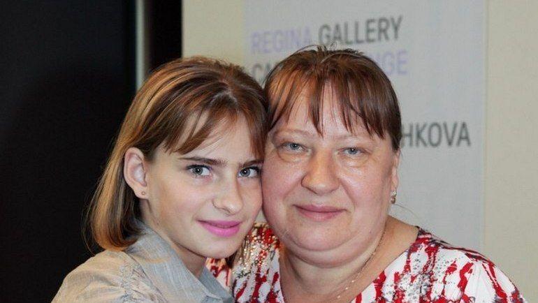 """Анастасия ГРИШИНА с мамой. Фото """"ВКонтакте"""""""