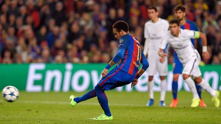 """8 марта. Барселона. """"Барселона"""" - """"ПСЖ"""" - 6:1. 90+1 минута. НЕЙМАР с пенальти делает счет 5:1. Не будь """"правила выездного гола"""", встреча наверняка бы ушла в дополнительное время. Фото Reuters"""
