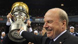 Майк КИНЭН знает, как завоевывать и Кубок Гагарина, и Кубок Стэнли.