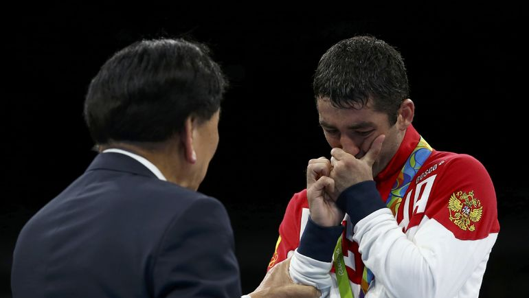 21 августа 2016 года. Рио-де-Жанейро. Миша АЛОЯН с серебром Игр, за которое теперь ему приходится биться в суде. Фото Reuters