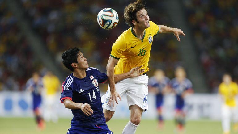 14 октября 2014 года МАРИУ ФЕРНАНДЕС сыграл в товарищеском матче за сборную Бразилии. Фото Reuters