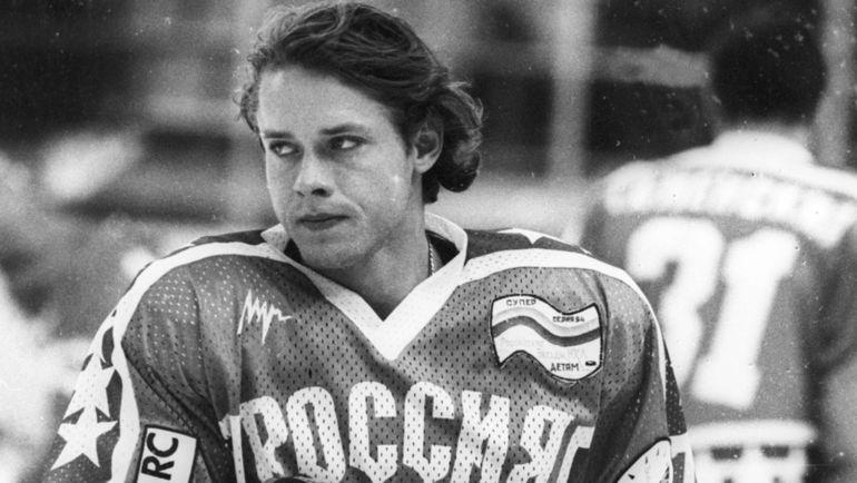 1994 год. Главная звезда российского хоккея Павел БУРЕ к этому времени дважды набрал больше 100 очков за сезон в НХЛ. Фото Дмитрий СОЛНЦЕВ