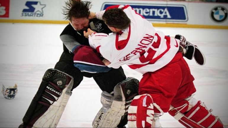 26 марта 1997 года. Денвер. Патрик РУА против Майка ВЕРНОНА. Фото twitter.com