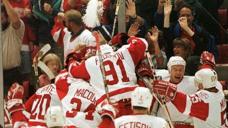"""""""Детройт"""" Криса Дрэйпера после 1997-го выигрывал Кубок Стэнли в 1998, 2002 и 2008 годах. Фото Reuters"""