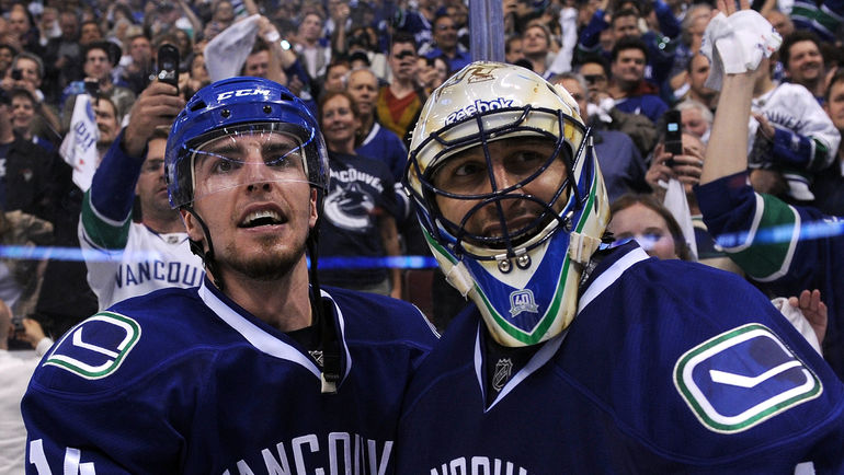 2011 год. Алекс БЭРРОУЗ (слева) и Роберто ЛУОНГО. Фото USA TODAY Sports