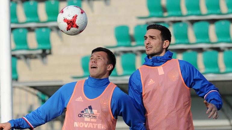 Максим КАНУННИКОВ (слева) и Магомед ОЗДОЕВ. Фото Александр ФЕДОРОВ, «СЭ»