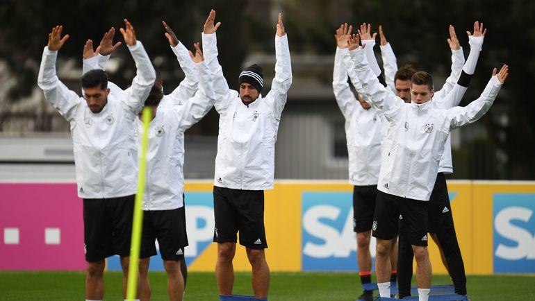 Тренировка сборной Германии перед товарищеским матчем с Англией. Фото AFP