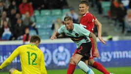 Сегодня. Сочи. Россия - Бельгия - 3:3. Александр БУХАРОВ (в красном) забивает третий гол, который спас россиян от поражения.