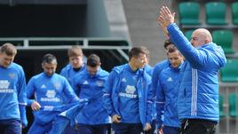 Анатолий Бышовец поддерживает решения Станислава ЧЕРЧЕСОВА в сборной России.