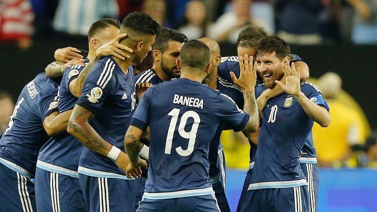 Игроки сборной Аргентины. Лионель МЕССИ (справа). Фото AFP