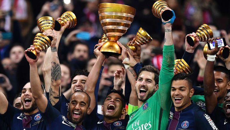 """Вчера. Лион. """"Монако"""" – """"ПСЖ"""" – 1:4. Игроки """"ПСЖ"""" празднуют победу в Кубке."""